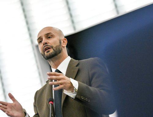 Migranti: Procaccini (FdI), Ue vuole lasciare gestione a ong.